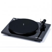 Pro-Ject Essential III Turntable in Black
