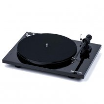 Pro-Ject Essential III Phono with Built in Switchable Phono Stage in Black