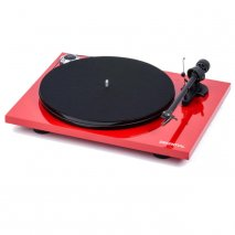 Pro-Ject Essential III Turntable in Red