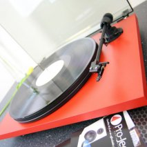 Pro-Ject Primary Plug and Play Hi-Fi Turntable in Red